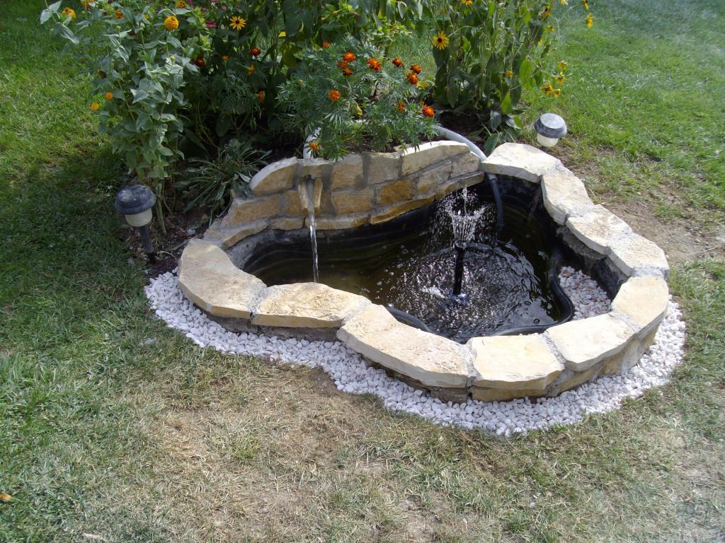 nature bassin la mare et le bassin de jardin naturel afficher le sujet bassin a maman. Black Bedroom Furniture Sets. Home Design Ideas
